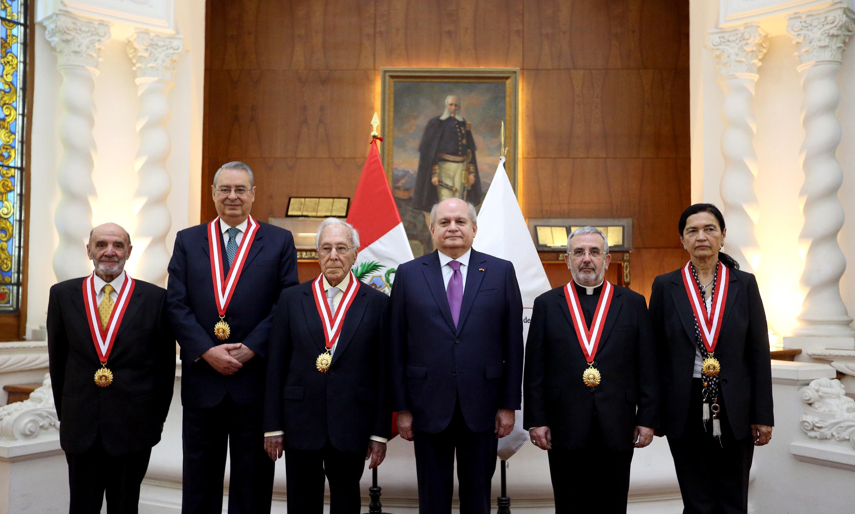 Otorgan Medalla al Mérito Ciudadano a diversas personalidades del ámbito nacional-22427544291